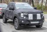 Новый внедорожник Ford попался на дороге в компании экстремальной модели